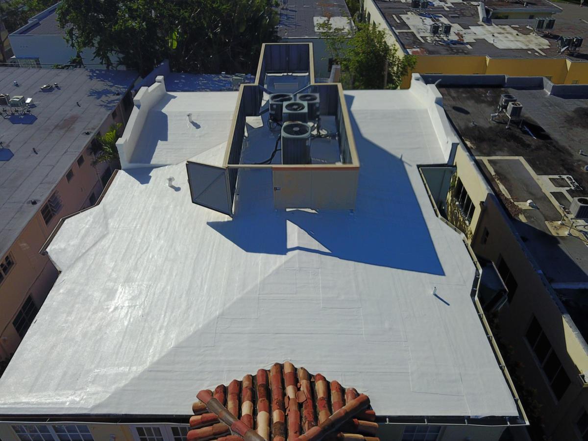 Roofer-Miami-Beach-Roof-Coat-1